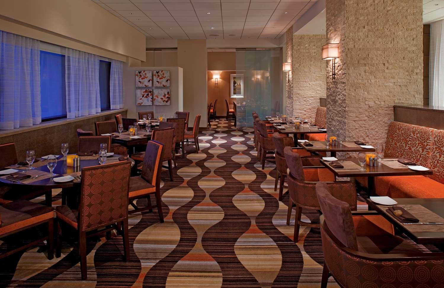 Restaurant - Hyatt Regency Hotel Milwaukee