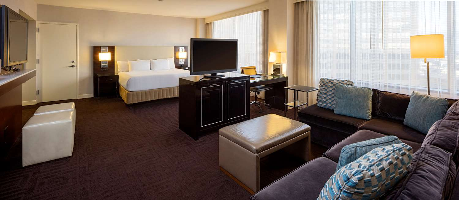 Suite - Hyatt Regency Hotel New Orleans