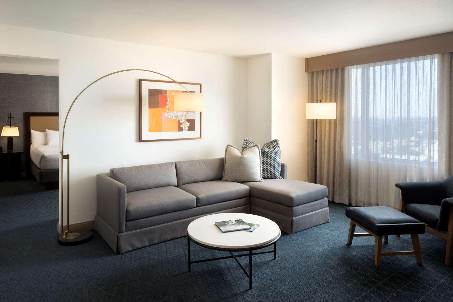 Suite - Grand Hyatt Hotel San Antonio