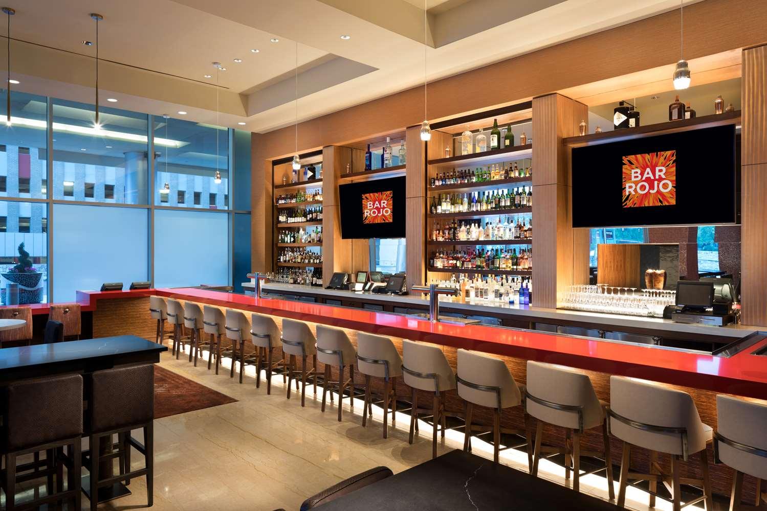 Bar - Grand Hyatt Hotel San Antonio