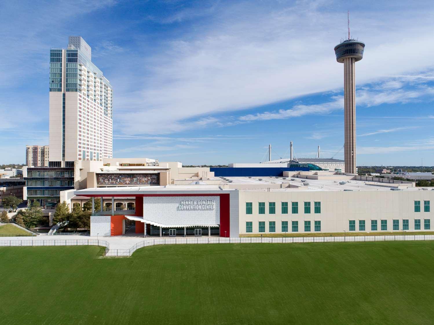 Exterior view - Grand Hyatt Hotel San Antonio