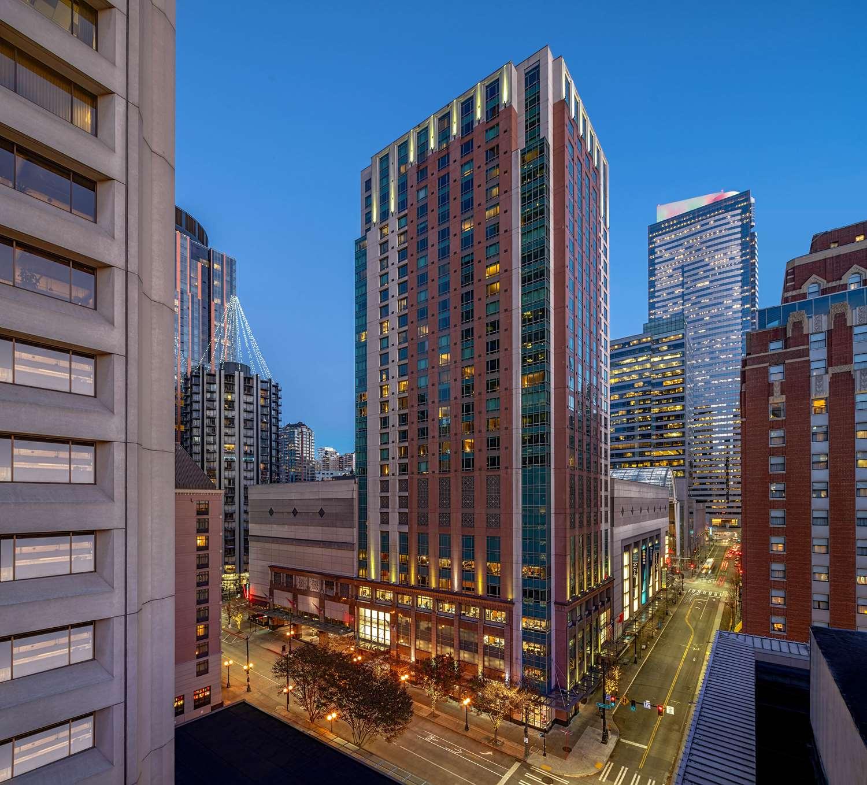 Exterior view - Grand Hyatt Hotel Seattle