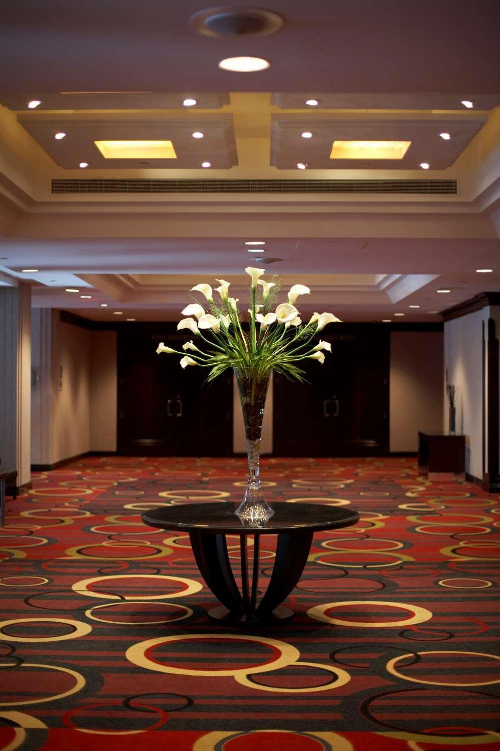 - Hyatt Regency Hotel Toronto