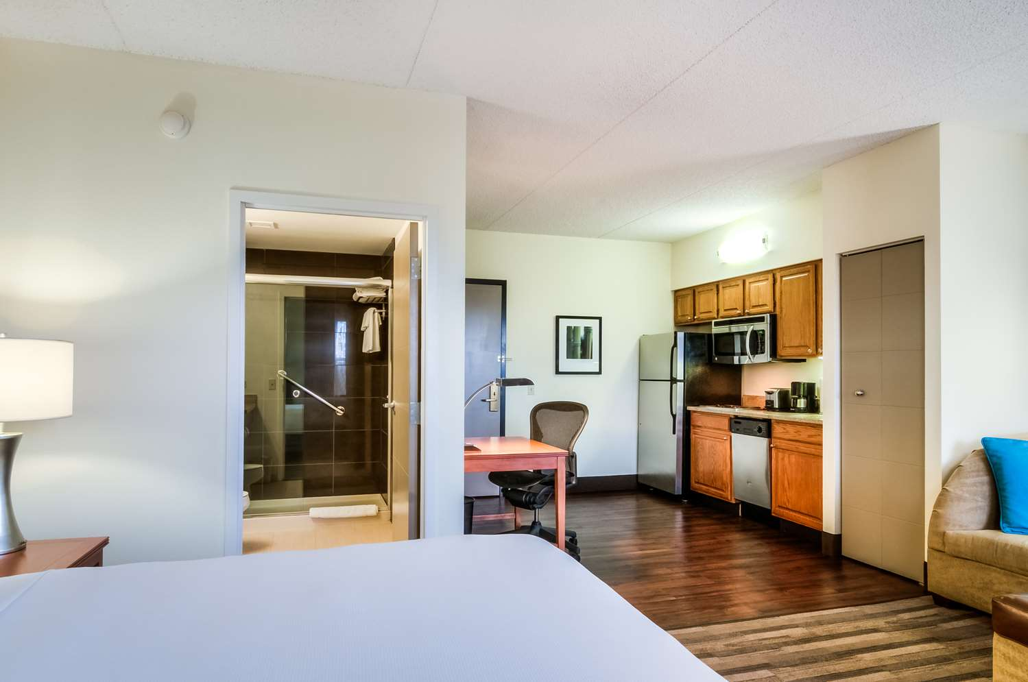 Room - Hyatt House Hotel Schaumburg