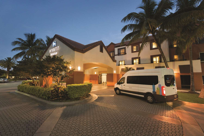 Exterior view - Hyatt House Hotel Airport Miami
