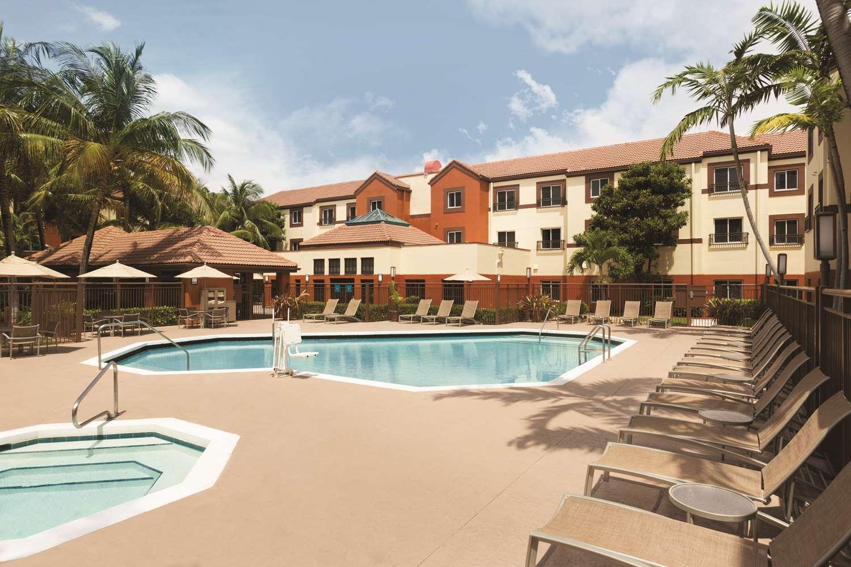 - Hyatt House Hotel Airport Miami