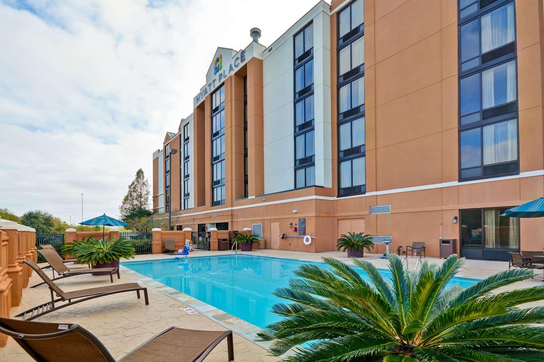 Pool - Hyatt Place Hotel Baton Rouge