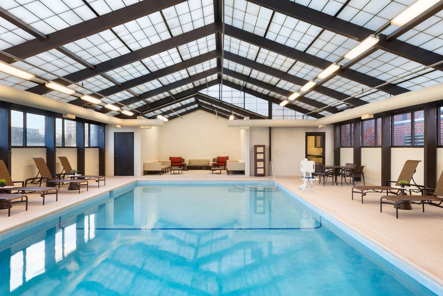 Pool - Hyatt Place Hotel Schaumburg