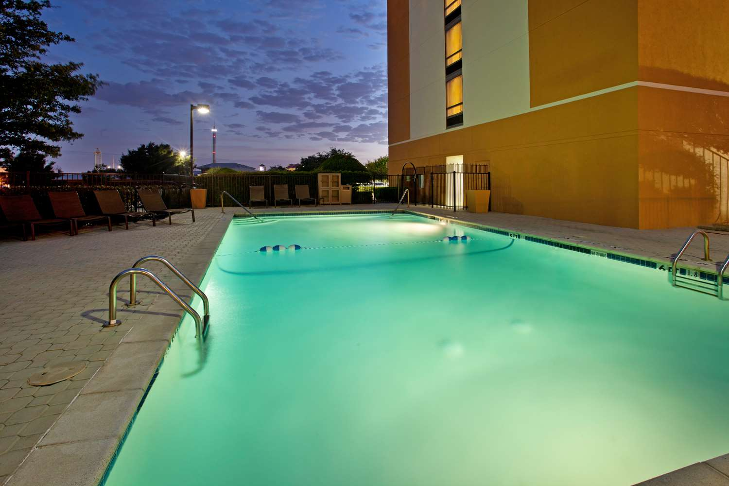 Pool - Hyatt Place Hotel Arlington