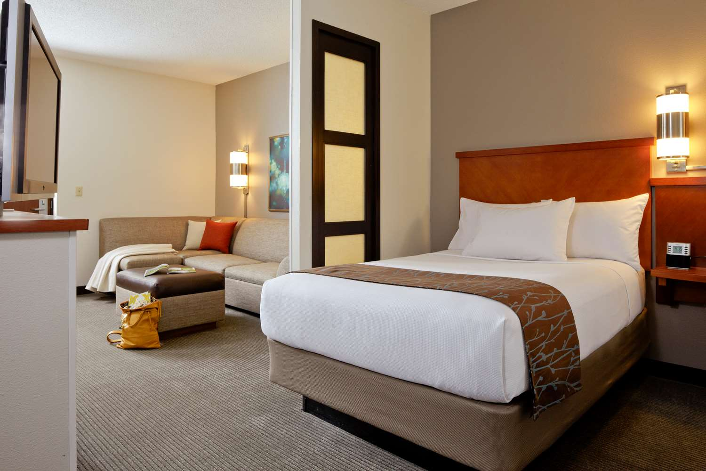 Room - Hyatt Place Hotel Greensboro