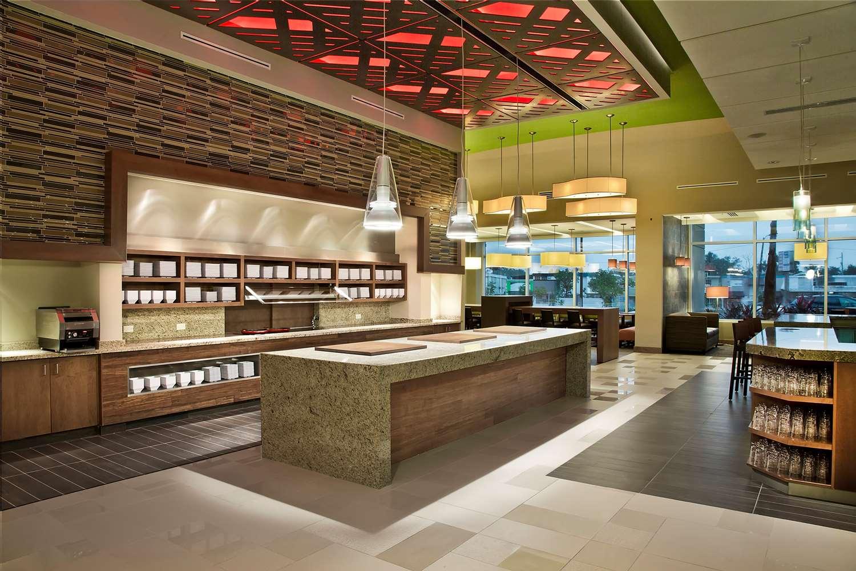 Restaurant - Hyatt Place Hotel Bayamon