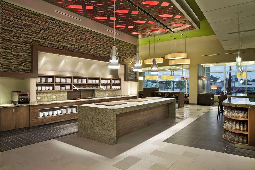 - Hyatt Place Hotel Manati