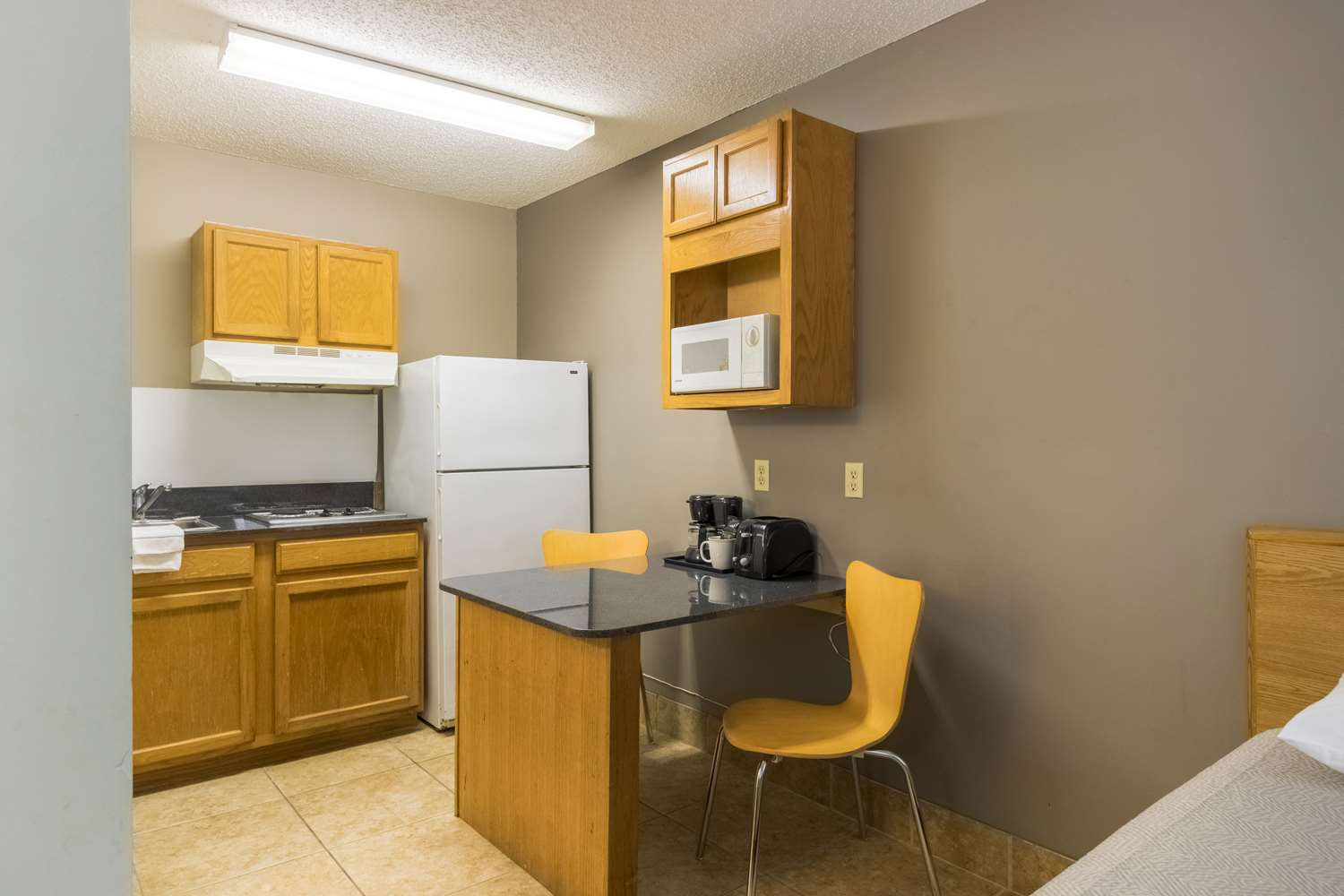 Amenities - Studio 6 Extended Stay Hotel Statesboro