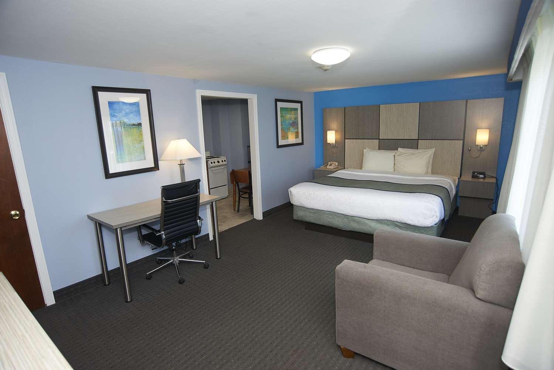 Room - Sandwich Lodge Resort