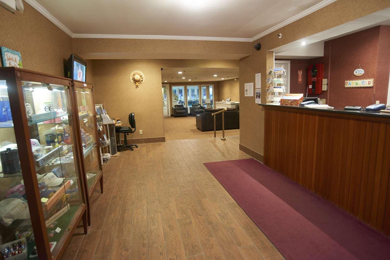 Lobby - Sandwich Lodge Resort