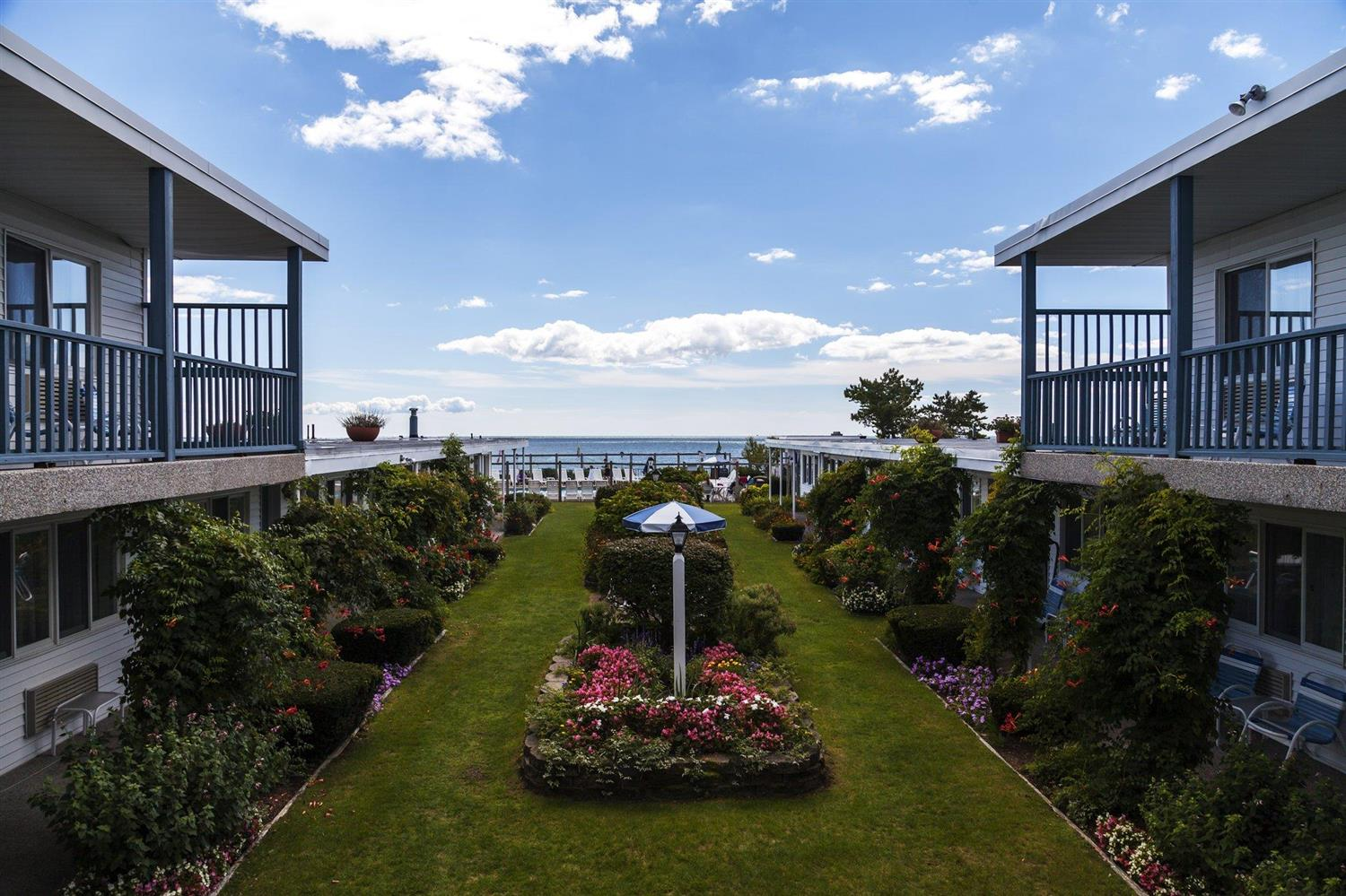 Exterior view - Blue Water on the Ocean Resort South Yarmouth