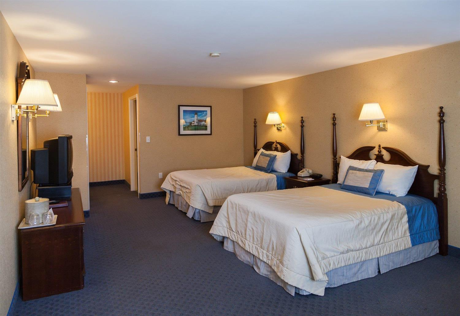 Room - Blue Water on the Ocean Resort South Yarmouth