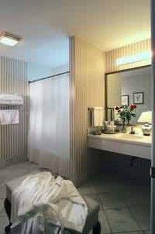 Room - Farmington Inn
