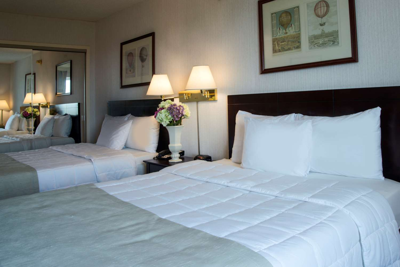 Room - Meadowlands Plaza Hotel Secaucus