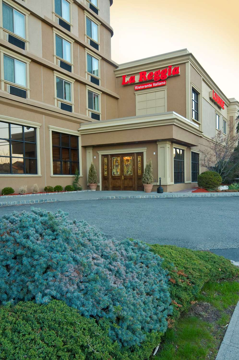 Exterior view - Meadowlands Plaza Hotel Secaucus