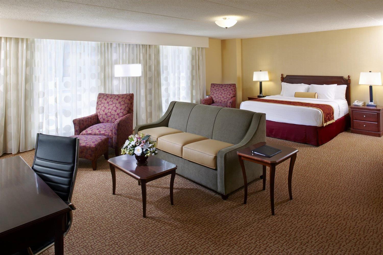 Suite - Clinton Inn Hotel Tenafly