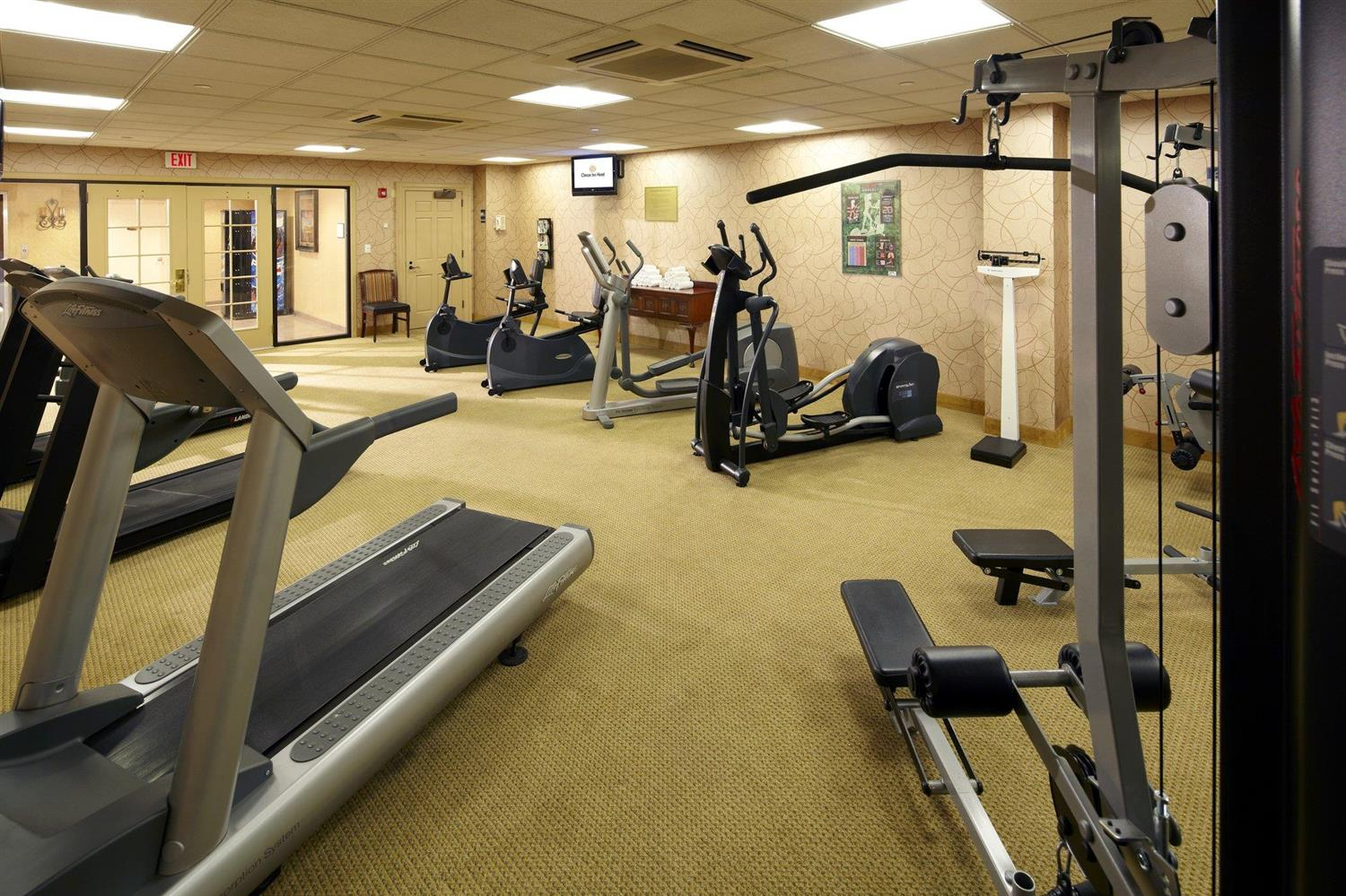 Fitness/ Exercise Room - Clinton Inn Hotel Tenafly