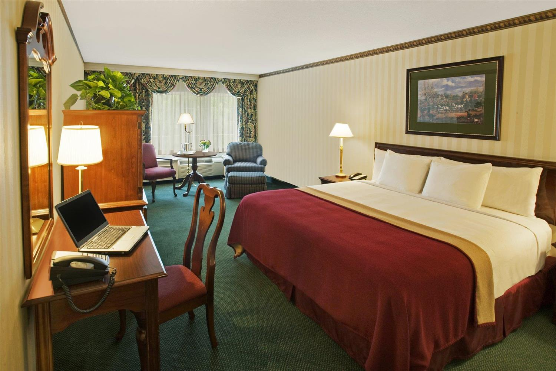 Room - Madison Hotel Morristown