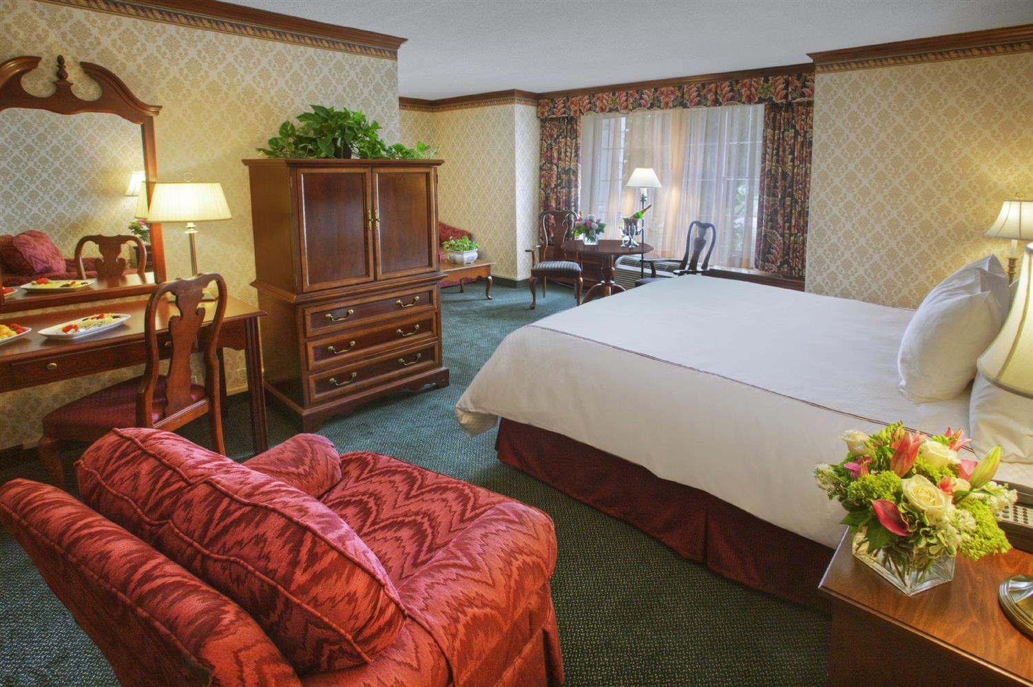 Suite - Madison Hotel Morristown
