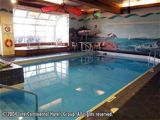 Pool - Riverside Resort French Village