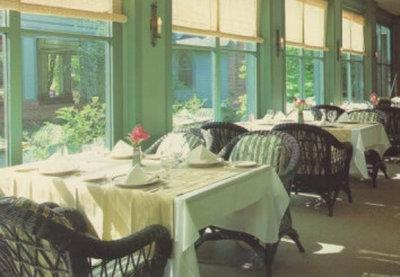 Restaurant - Roycroft Inn East Aurora