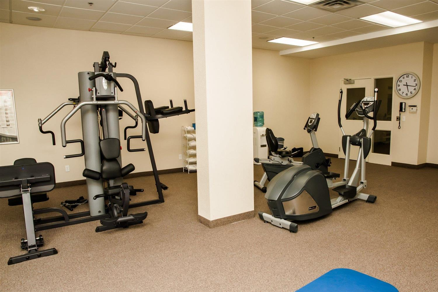 Fitness/ Exercise Room - Cambridge Hotel & Conference Centre