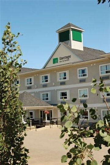 Exterior view - Vantage Inn & Suites Fort McMurray