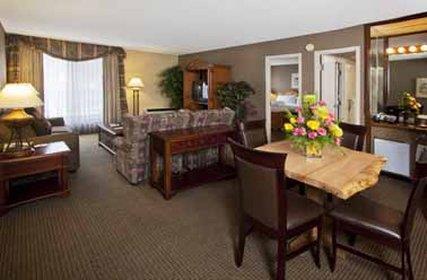 Suite - Sawridge Hotel Jasper
