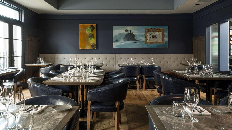 Restaurant - Hotel Arts Kensington Calgary