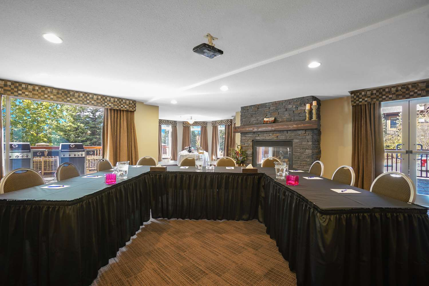 Meeting Facilities - Falcon Crest Lodge Canmore