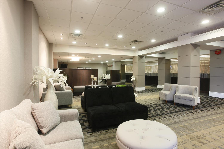 Lobby - Pomeroy Hotel & Conference Centre Grande Prairie