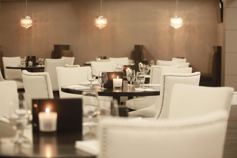 Restaurant - Pomeroy Hotel & Conference Centre Grande Prairie