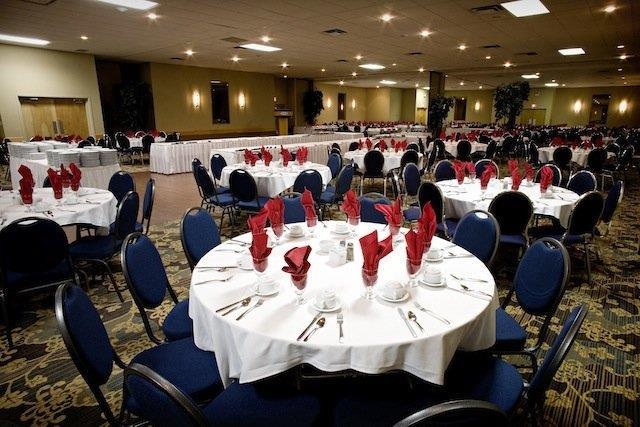 Ballroom - Heritage Inn Hotel & Convention Centre Brooks