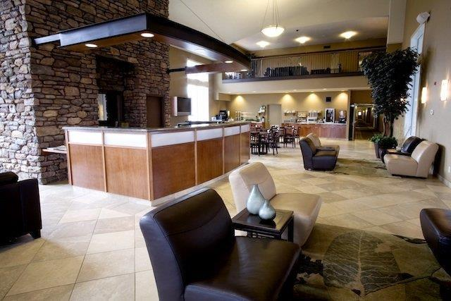 Lobby - Heritage Inn & Suites Brooks
