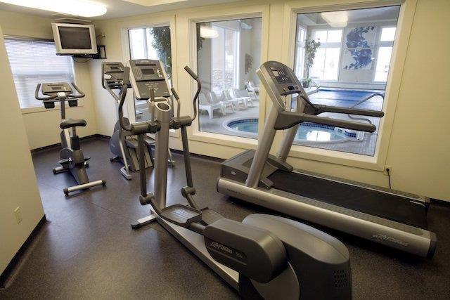 Fitness/ Exercise Room - Heritage Inn & Suites Brooks