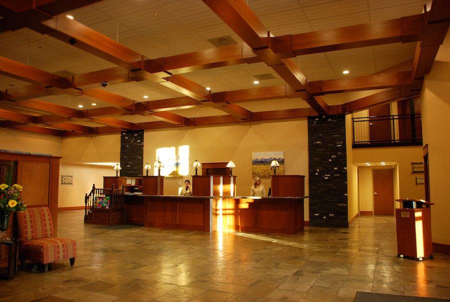 Lobby - Deerfoot Inn & Casino Calgary