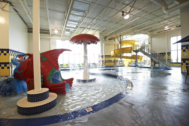 Pool - Deerfoot Inn & Casino Calgary