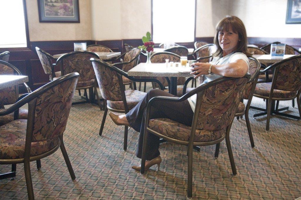 Restaurant - Service Plus Inn & Suites Grande Prairie