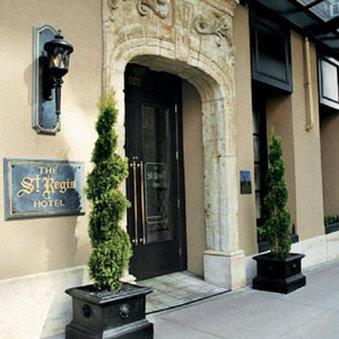 Exterior view - St Regis Hotel Vancouver