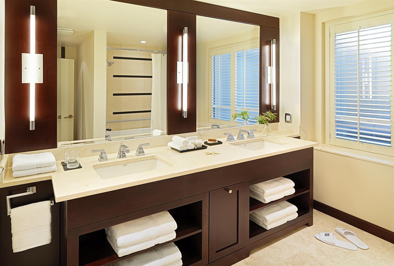 Room - St Regis Hotel Vancouver