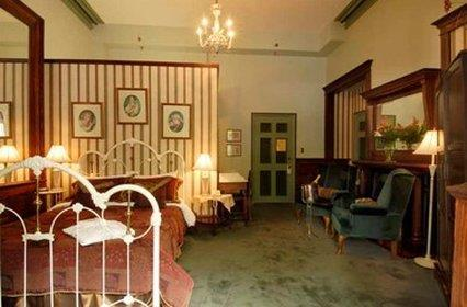 Room - Pendray Inn & Tea House Victoria