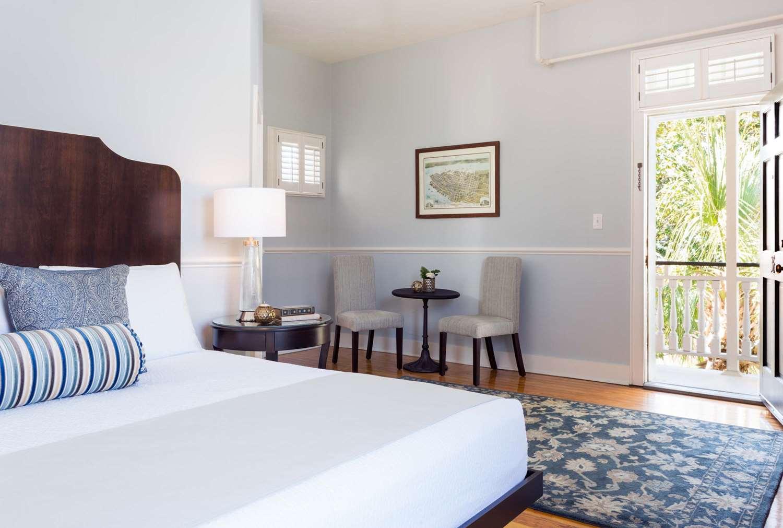 Exterior view - Elliott House Inn Charleston