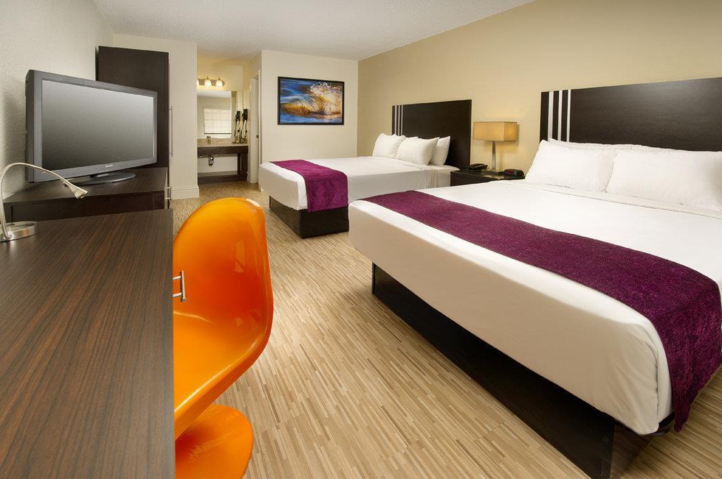 Room - Avanti Resort Orlando