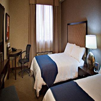 Room - Acclaim Hotel Airport Calgary