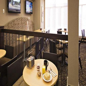 Restaurant - Acclaim Hotel Airport Calgary